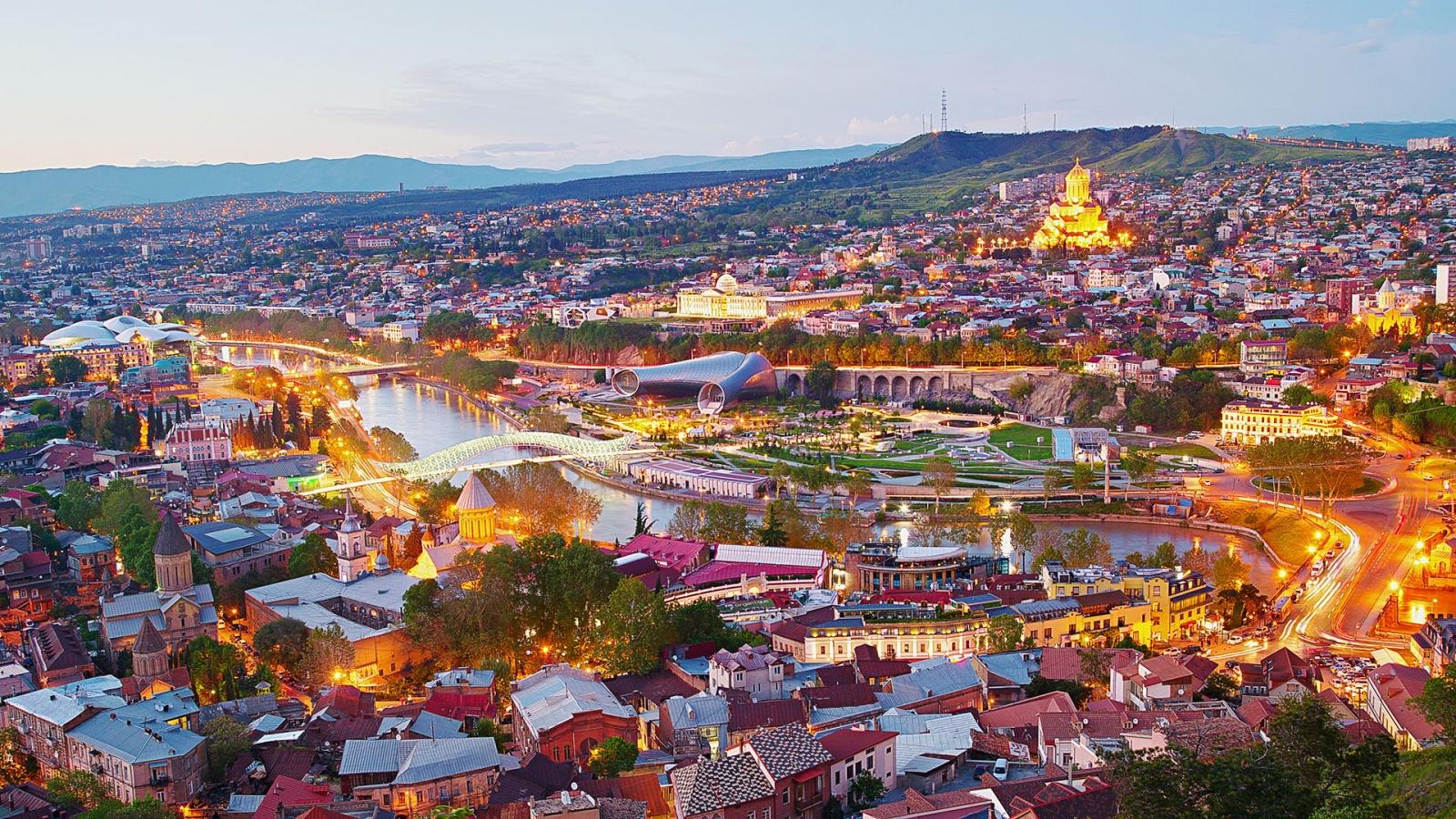 Тбилиси открытки красивые