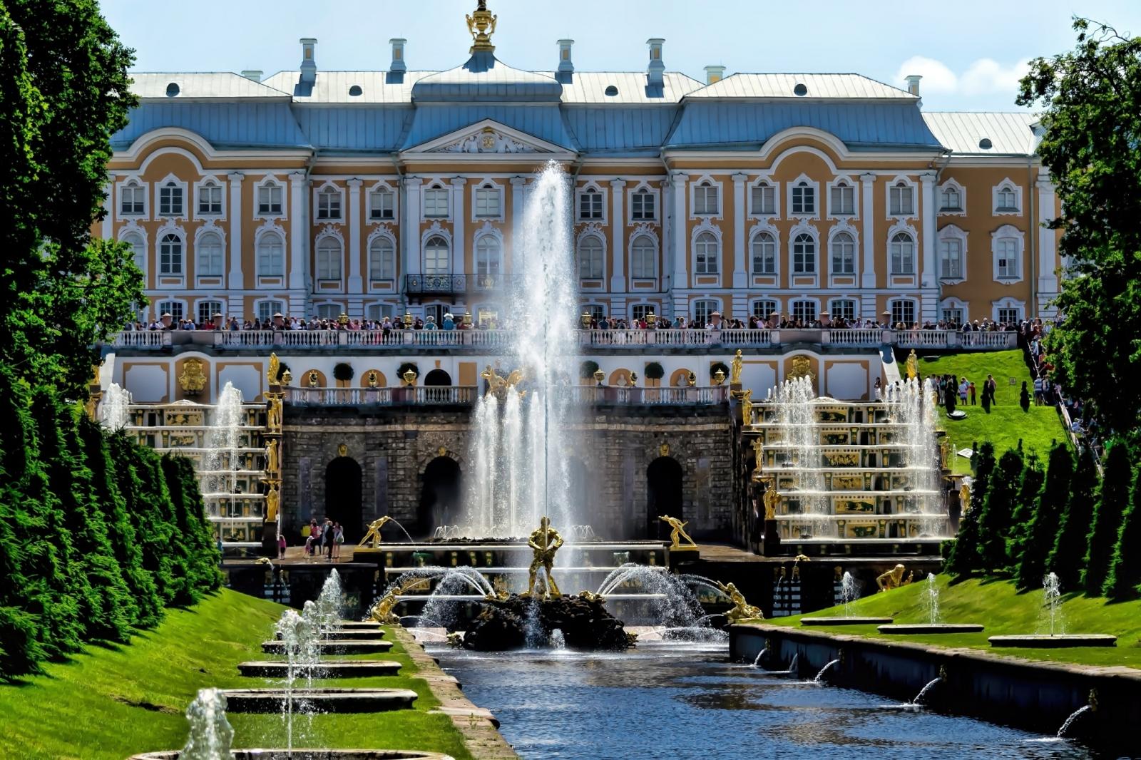 дворцы питера фото и описание аркоксиа также будут