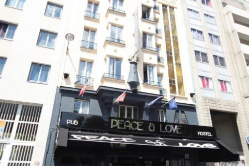 Peace & Love - Hostel,