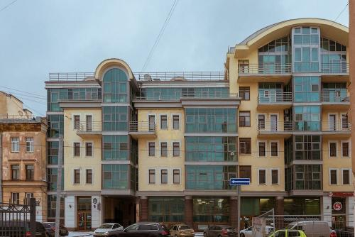 2 Bedroom Apartment on Nevsky 135