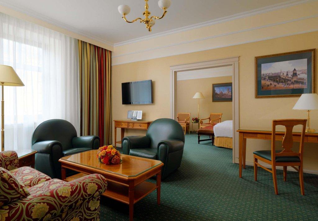 кадр, где фотографии отеля марриотт тверская языка возникает
