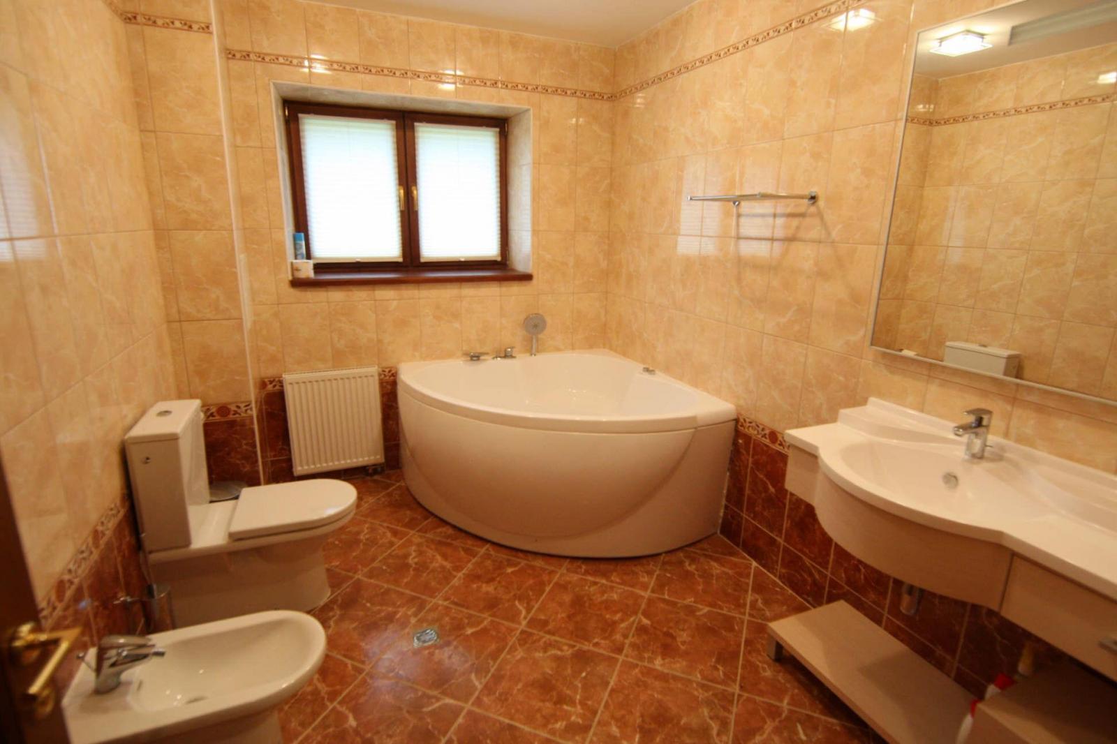 Ванные комнаты в коттеджах дизайн