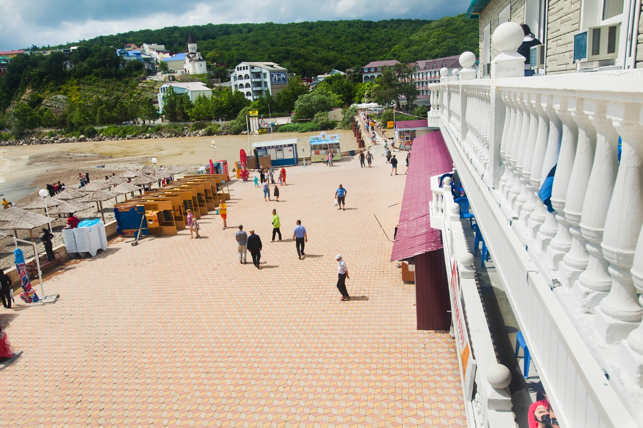 Новомихайловка фото поселка и пляжа торнадо