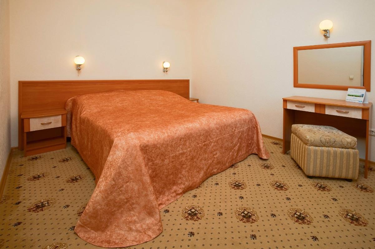 Санаторий предгорье кавказа находится в самом центре парковой аллеи города-курорта горячий ключ санаторий