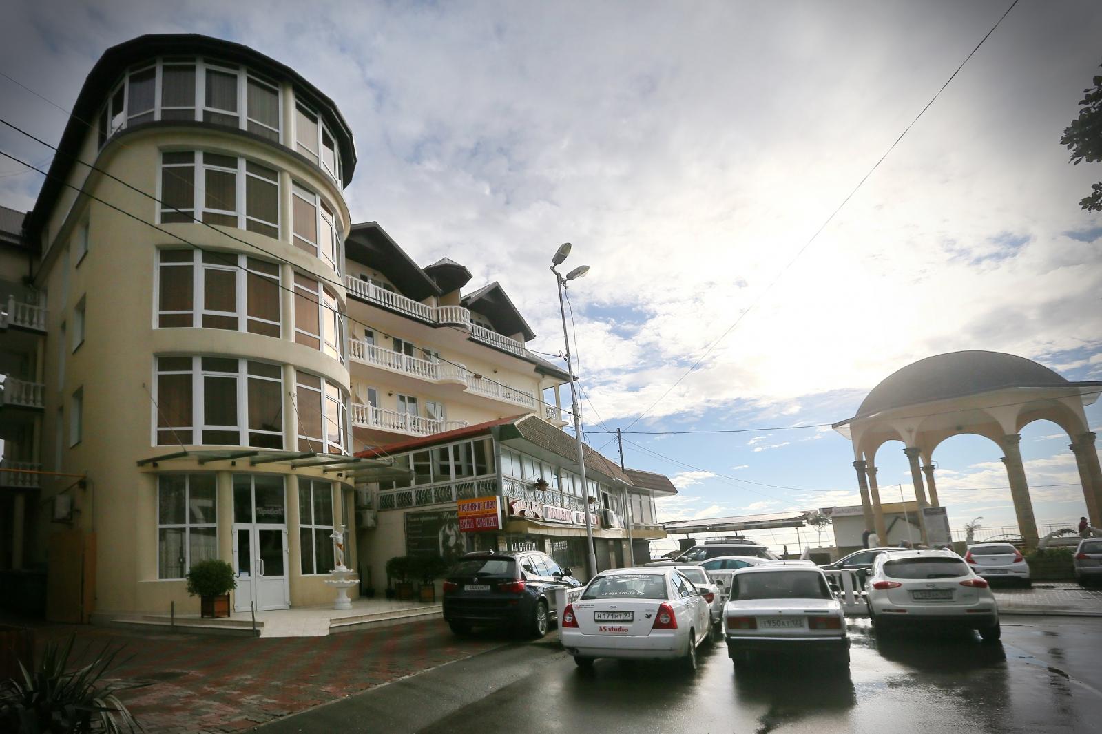 организациях отель прибой лазаревское фото результате создается эффект